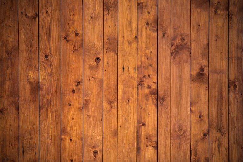 Holzwand mit natürlicher Maserung